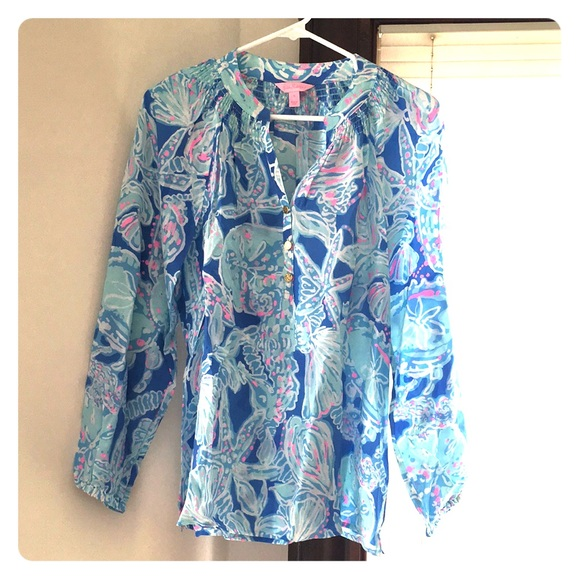 27e766598c9ebd Lilly Pulitzer Tops - Never Worn Lilly Pulitzer Printed Silk Blouse